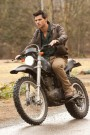 the-twilight-saga-breaking-dawn-part-1-movie-image-taylor-lautner-01-400x600.jpg